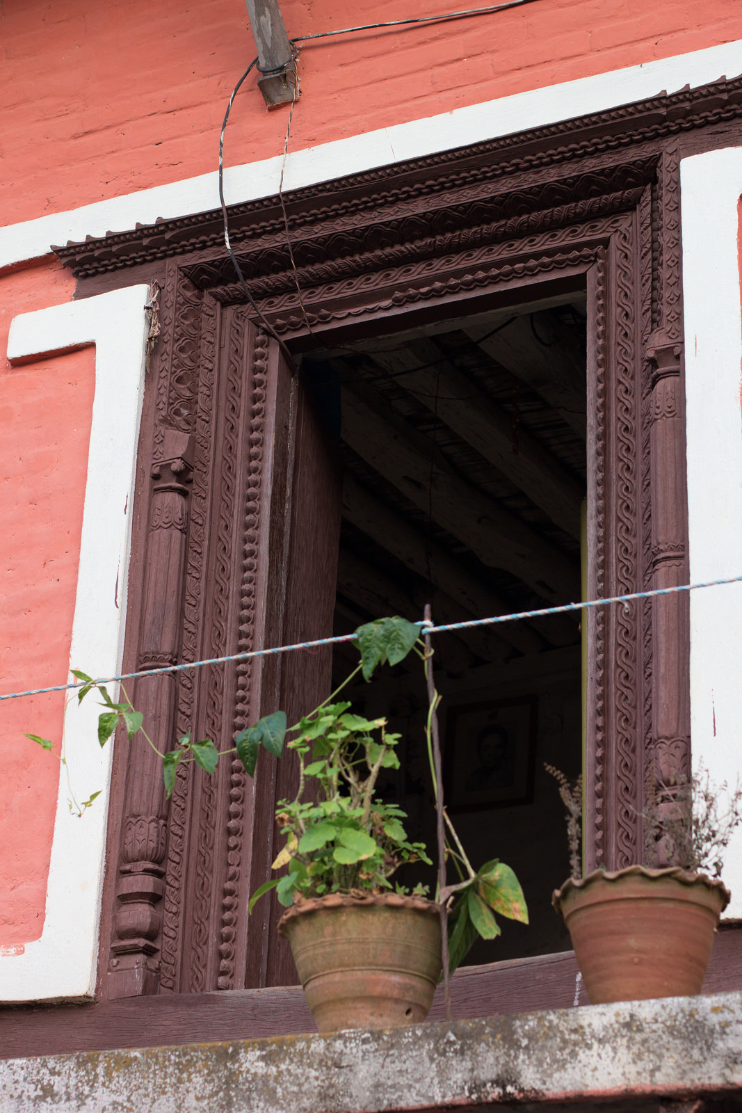 posts-slides-lee-returns-nepal-04