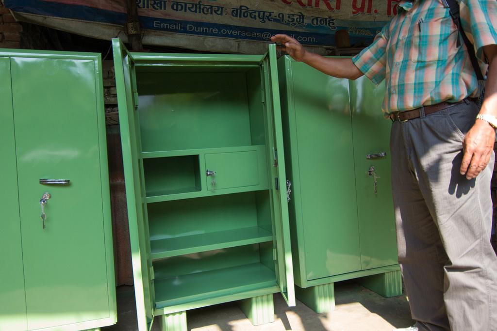 posts-slides-new-school-furniture-01