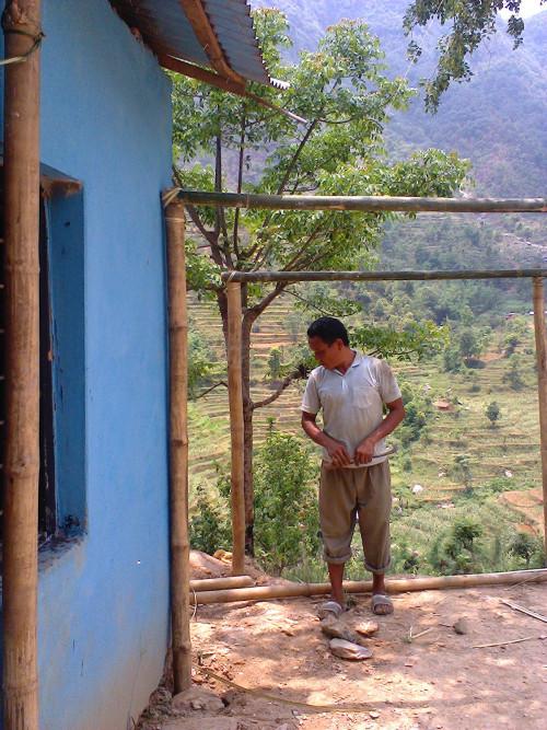 2014-06_Bharat-making-new-room-01